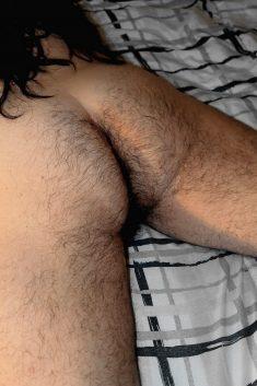 Un culo de chica peludo