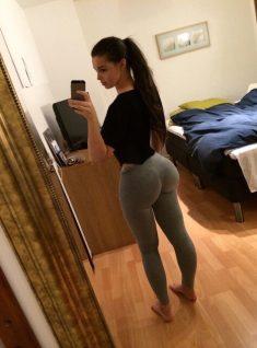 Chica yoga